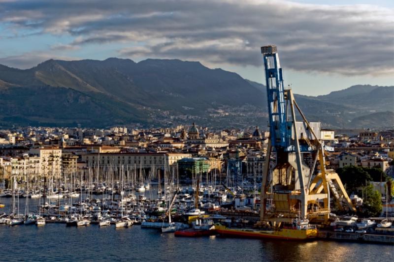Premium Textil-Leinwand 120 cm x 80 cm quer Palermo Hafen - zum Schließen ins Bild klicken