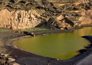 Lanzarote - aus Feuer und Wasser geboren (Posterbuch DIN A4 quer