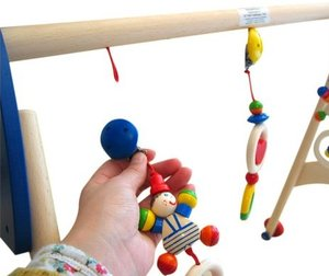 Goki 765854 - Baby Fit, Greif- und Spieltrainer, Lauflernhilfe Z