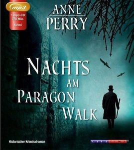 Nachts am Paragon Walk