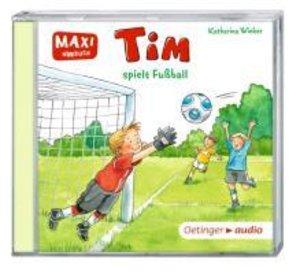 Tim spielt Fußball