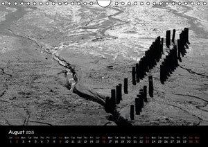 Black White North Sea / UK-Version (Wall Calendar 2015 DIN A4 La