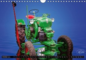 Tractor - Oldtimer / UK-Version (Wall Calendar 2015 DIN A4 Lands