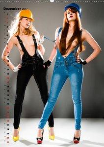 Sexy in Latzhosen (Wandkalender 2017 DIN A2 hoch)