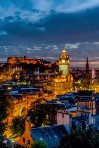 Premium Textil-Leinwand 60 cm x 90 cm hoch Nacht über Edinburgh