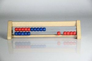 Rechenrahmen 20er Zahlenraum, aus RE-Wood®, rot/blau, abgeschräg