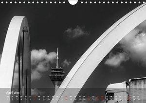 Düsseldorf Ansichten in Schwarz-Weiß (Wandkalender 2019 DIN A4 q