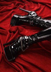killer shoes - Gefährliche Schuhe (Posterbuch DIN A3 hoch)