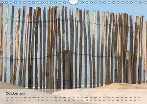 At the Beach - UK-Version (Wall Calendar 2015 DIN A4 Landscape)