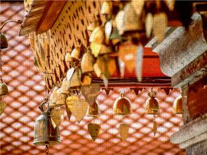 Herzglocken im Kloster Doi Suthep bei Chiang Mai, Thailand 2000