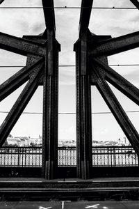 Premium Textil-Leinwand 50 cm x 75 cm hoch Stahlbrücke