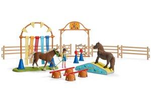 Schleich 42481 - Pony Agility Training, Spielfigurenset, Pferde