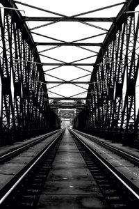 Premium Textil-Leinwand 50 cm x 75 cm hoch Prag, Eisenbahnbrücke