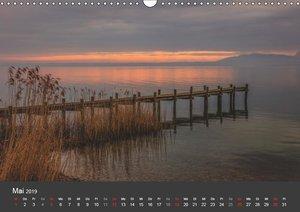 Chiemsee in magischem Licht (Wandkalender 2019 DIN A3 quer)