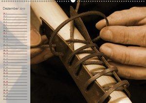 Altes Handwerk: Bogenbau (Wandkalender 2019 DIN A2 quer)