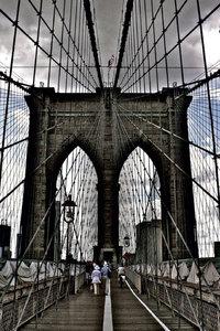 Premium Textil-Leinwand 50 cm x 75 cm hoch Brooklyn Bridge