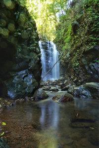 Premium Textil-Leinwand 30 cm x 45 cm hoch Wasserfall