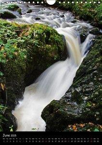 Lake District - Landscapes of Water / UK Version (Wall Calendar