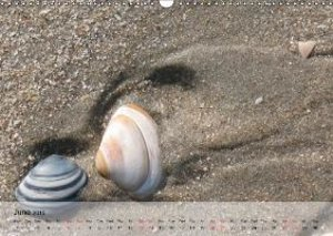 At the Beach - UK-Version (Wall Calendar 2015 DIN A3 Landscape)