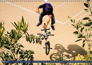 CALVENDO: BMX - Auf zwei Rädern fliegen (Wandkalender 2015 D