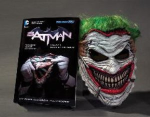 Batman: Death of the Family. Book and Joker Mask Set