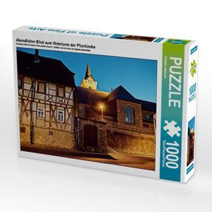 Abendlicher Blick zum Wehrturm der Pfarrkirche 1000 Teile Puzzle
