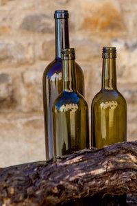 Premium Textil-Leinwand 80 cm x 120 cm hoch Weinflaschen
