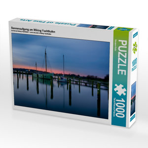 Sonnenaufgang am Wiking Yachthafen 1000 Teile Puzzle quer