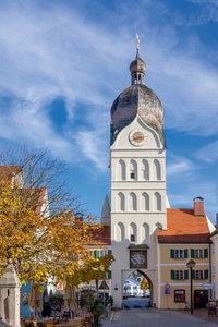 Premium Textil-Leinwand 80 cm x 120 cm hoch Schöner Turm Erding