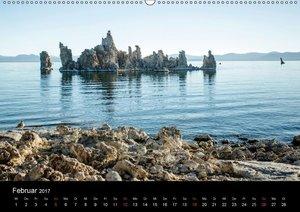 Mono Lake - bizarre Kalktuff-Gebilde (Wandkalender 2017 DIN A2 q