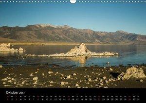 Mono Lake - bizarre Kalktuff-Gebilde (Wandkalender 2017 DIN A3 q