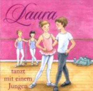 Laura 04 tanzt mit einem Jungen