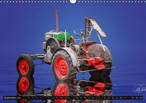 Tractor - Oldtimer / UK-Version (Wall Calendar 2015 DIN A3 Lands