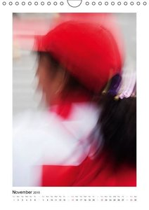Women. In the Streets of Quito / UK-Version (Wall Calendar 2015