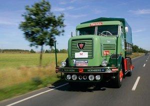 Classic Trucks (Poster Book DIN A3 Landscape)