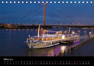 Düsseldorf Abendstimmungen und Nachtansichten (Tischkalender 201