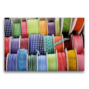 Premium Textil-Leinwand 75 cm x 50 cm quer Bunte Bänder zum Nähe
