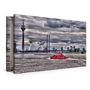 Premium Textil-Leinwand 90 cm x 60 cm quer Feuerwehreinsatz über