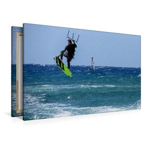 Premium Textil-Leinwand 120 cm x 80 cm quer Kitesurfen im tiefbl