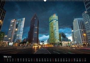 Die Blaue Stunde in Berlin (Wandkalender 2019 DIN A2 quer)