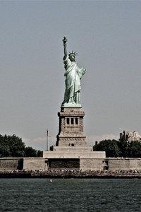 Premium Textil-Leinwand 60 cm x 90 cm hoch Freiheits-Statue