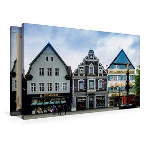 Premium Textil-Leinwand 90 cm x 60 cm quer Hausfassaden an der O