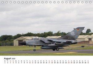Militärjets Panavia Tornado (Tischkalender 2019 DIN A5 quer)