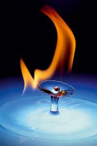 Premium Textil-Leinwand 50 cm x 75 cm hoch Olympic Flame
